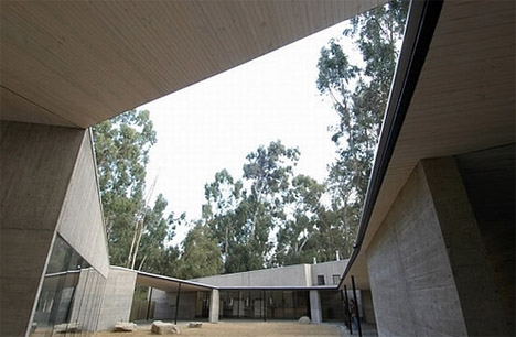 concrete-fortified-house-design
