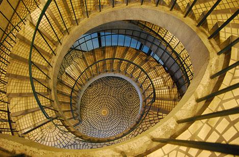 spiral-stair-elegant-above