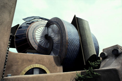 architect-designed-futuristic-building