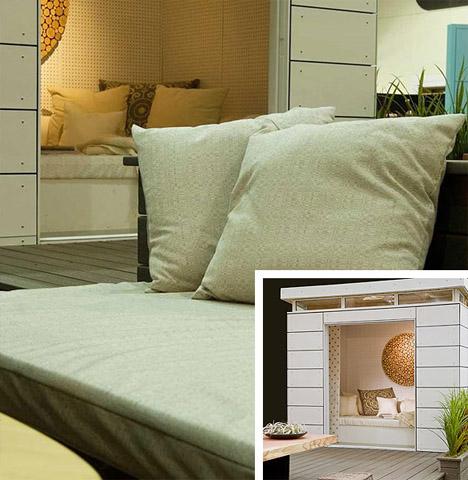 elegant-rooftop-deck-seating-space