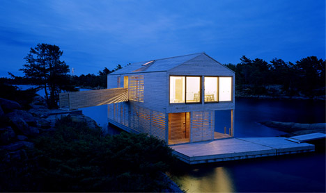 Prefabricated Floating Home Reinvents Houseboat Design