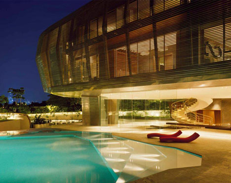offbeat-luxury-house-and-pool