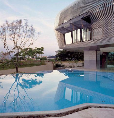 offbeat-modern-luxury-home-design