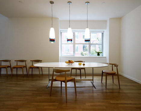 wood-white-simple-dining-room