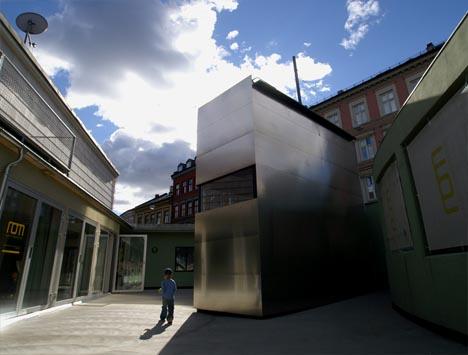 box-house-exterior-cladding