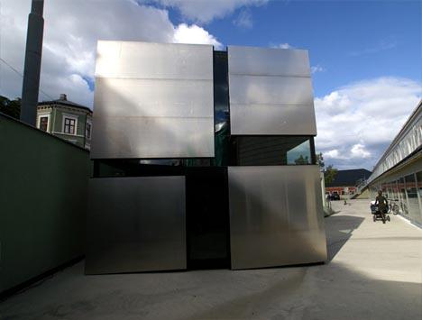 box-house-metal-exterior