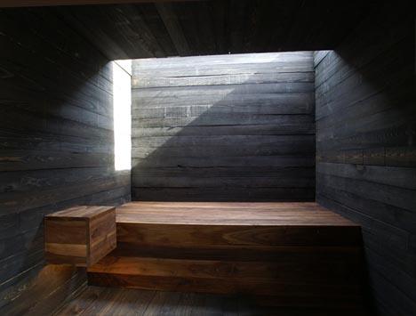 box-wooden-house-interior