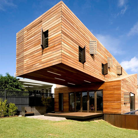 modern-giant-cantilever-home