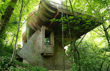 organic-curved-rural-home