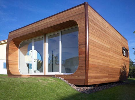 pod-futurstic-curved-house-design