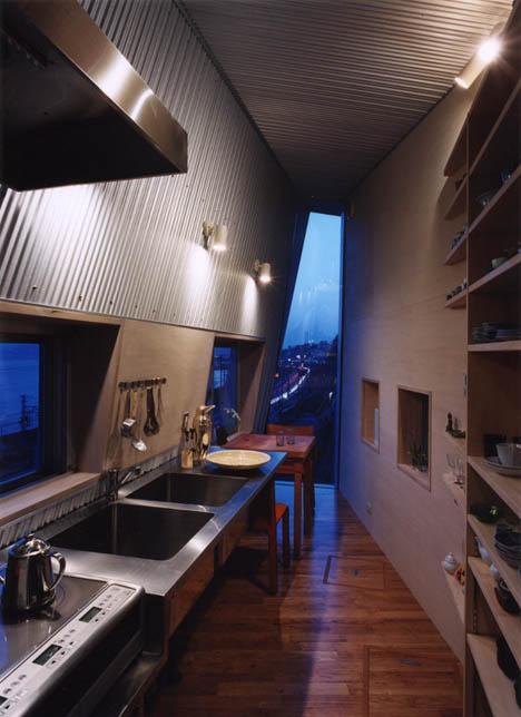tight-narrow-house-design