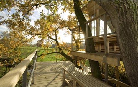 tree-house-exterior-view