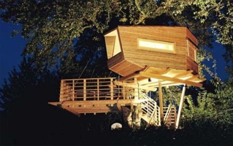 Modern tree living creative treehouse designs plans for Modern tree house designs