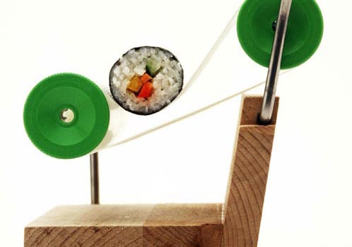 automatic-sushi-rolling-gadget