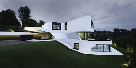 Unique Modern Houses Complex But Contextual Unique Curved Modern House
