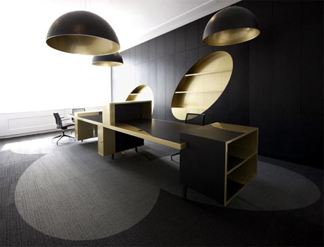 glamourous-gold-and-black-office