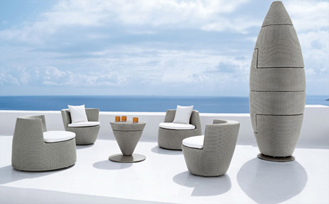 Outdoor Obelisk: Stackable Patio Furniture Designs