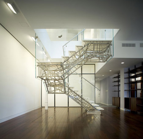 creative-cool-apartment-staircase