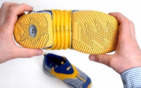 expanding-growing-shoe-design