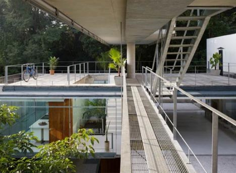 lofted-modern-strange-site-home1