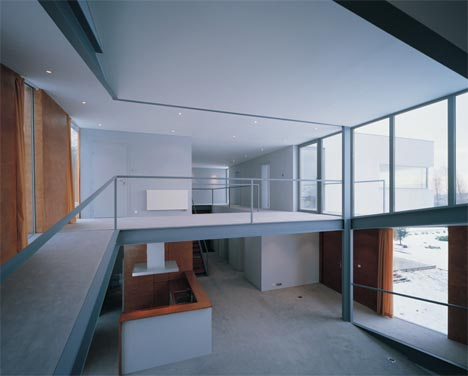 modern-wood-house-interior