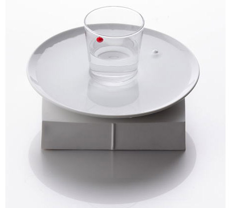 offbeat-water-clock-design