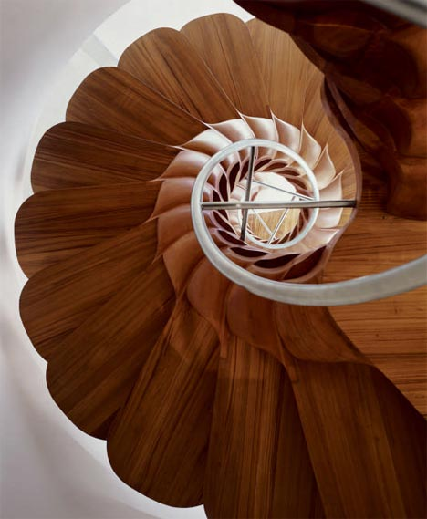 spiral-creative-unique-wood-stairs