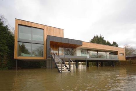 ultra-modern-lake-house