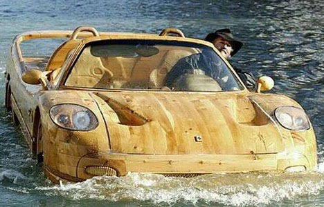 wooden-floating-car-sculpture
