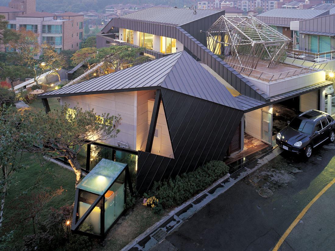 Angular House With Incredible Courtyard Designs Ideas On Dornob