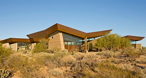 Rammed Earth House: Brown, Red & Brilliant Green Design