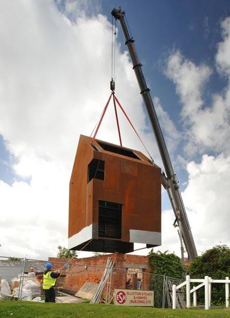 Modern Prefab Metal Home Re Mixes Brick Wood Amp Steel