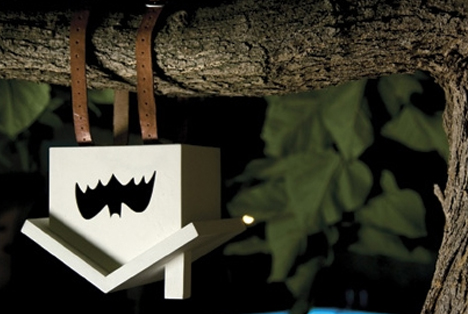 Hanging Bat House: Upside-Down Wood Birdhouse for Bats