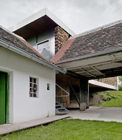 Farmhouse Additions: Modern Farmhouse Plans Expand 200-Year-Old Homestead