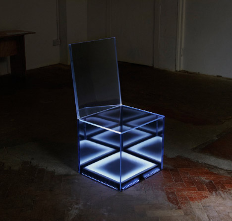 Remarkable Cloaking Chair Led Lights Hide Inside Mirrored Camouflage Interior Design Ideas Oteneahmetsinanyavuzinfo