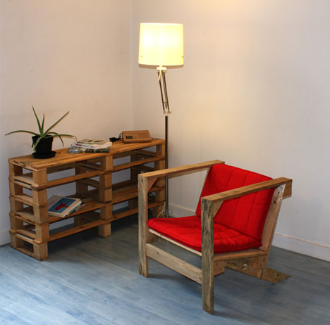 Reused Furniture 1-to-1 conversion: single-piece, reused-wood pallet chair