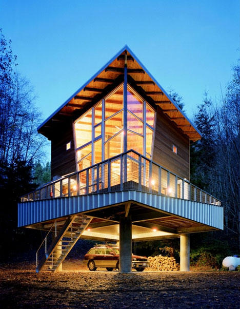 Drawbridge Style Stairs Lift Up To Secure Treehouse Retreat