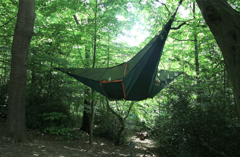 & Hanging 3-Person Tree Tent Uses Fabric Rope u0026 Tension