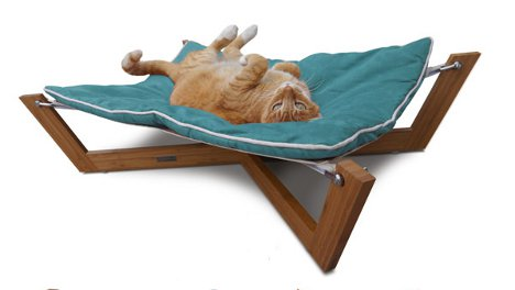 Little Loungers: Sweet Suite Of Furniture For Pampered Pets