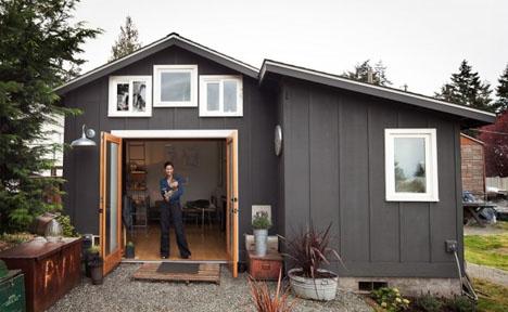 Cozy Carpark 250 Square Foot Home Inside Old Garage