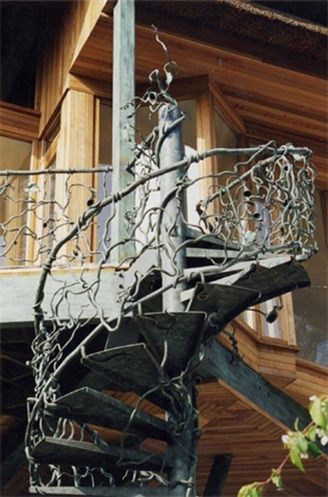 Artistic Iron Handrails For Ultimate Home Personalization