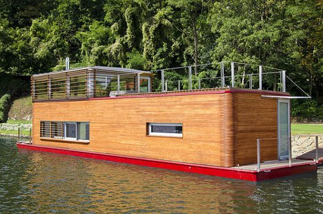 Light + Airy Modern Houseboat is Spacious Indoors and Out
