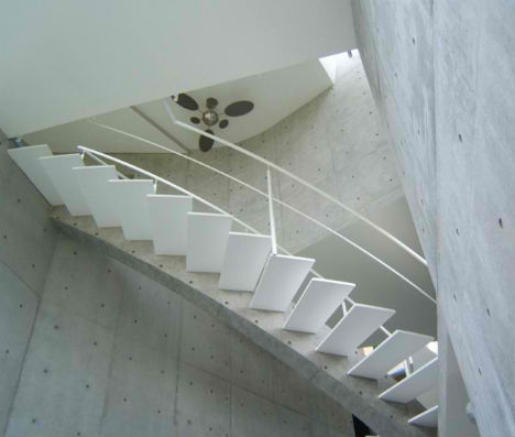 Stacked Concrete House Uses Space in Surprising Ways - image Stacked-Concrete-T-House-Tokyo-3 on http://bestdesignews.com