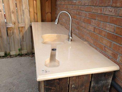 Custom Guitar-Shaped Kitchen Sink for a Harmonious Home