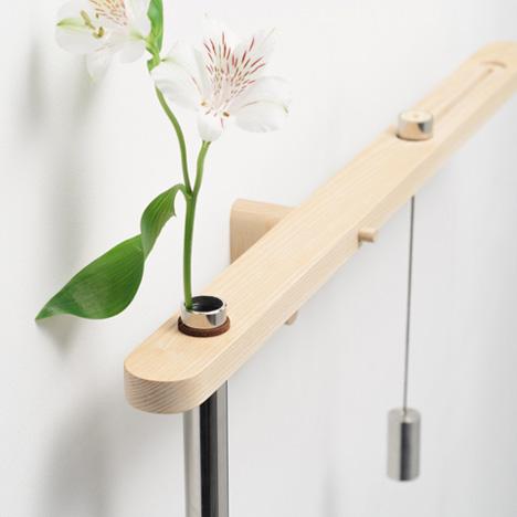 Wall-Hugging Visual Vase is a Friendly Floral Balancing Act