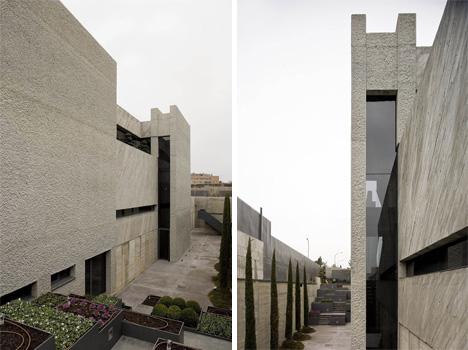 concrete exterior a-cero open box house