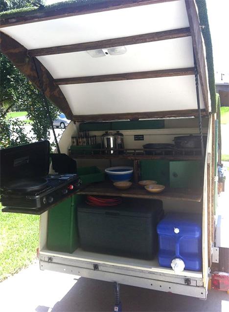 hobbit caravan kitchen