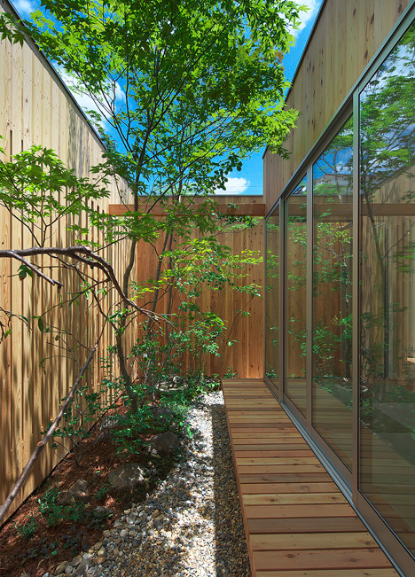 private home interstitial space