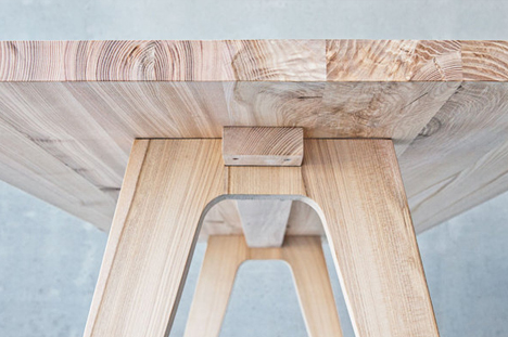 wood desk detail