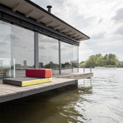 Modern Houseboat Berlin 3